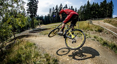 HEAVY METAL: DOWNHILLBIKE IM TEST (NR.4)