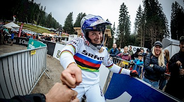 "Exklusiv Interview mit ""Little Miss Downhill"" Vali Höll in Lenzerheide"