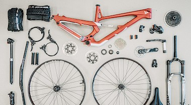 World Bicycle Relief: SRAM and YT verlosen custom YT Jeffsy